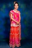 Indisk kvinna i formell kappa Arkivbild