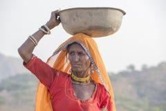 indisk kvinna Pushkar kamel Mela, Indien Arkivfoton