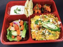 Indisk lunchuppsättning arkivbild