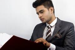 Indisk manlig modell i företags blick royaltyfri bild