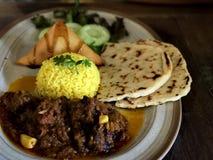Indisk mat eller indisk nötköttcurry arkivfoto