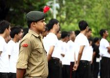 Indisk militär man för NCC i likformig Arkivbild