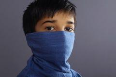 indisk pojke little stående royaltyfri foto