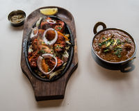 Indisk restaurang och indiernärmare detaljmat Royaltyfri Bild