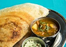 Indisk restaurang och indiernärmare detaljmat Arkivfoto
