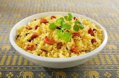 Indisk Rice Pilau i den vita bunken Royaltyfria Bilder