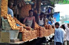 indisk shopkeeper royaltyfri bild