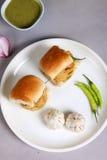 Indisk special traditionell stekt matvada pav Arkivfoton