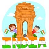 Indisk syskongrupp med flaggan av Indien Royaltyfria Foton