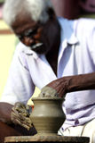indisk tillverkarekrukmakeri Arkivbilder
