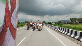 Indisk tirnga relly i väg för rajasthan stadsfjärd Arkivfoto