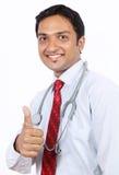 Indisk ung doktor arkivbild