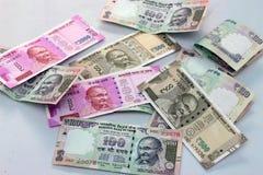Indisk valuta av 100, 500 och 2000 rupieanmärkningar Arkivbilder
