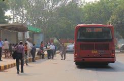 Indiska busspendlare New Delhi Indien Royaltyfri Fotografi
