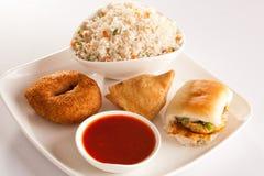 Indiska frukostmellanmål Royaltyfria Bilder