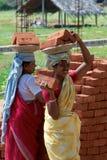 Indiska konstruktionsjobbarear Arkivfoto