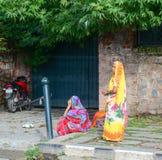 Indiska kvinnor i Srinagar, Indien Arkivfoto