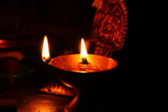Indiska mässingsolje- lampor Fotografering för Bildbyråer
