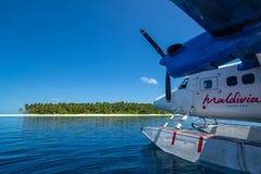 Indiska oceanen Malddives - Juni 15, 2017: En Maldivian Air Taxi wa Arkivfoto