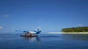 Indiska oceanen Malddives - Juni 15, 2017: En Maldivian Air Taxi wa Arkivfoton