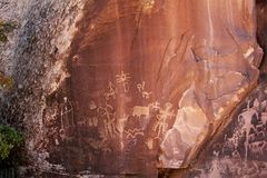 Indiska petroglyphs för indian i Mesa Verde National Park royaltyfria foton