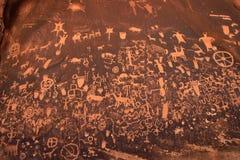 Indiska petroglyphs, tidning vaggar den statliga historiska monumentet, Utah, USA Arkivbilder
