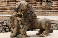 Indiska religiösa erotiska symboler på tempel i Khajuraho Arkivbild