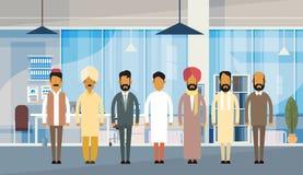 Indiskt kontor för folkaffärsmanGroup Traditional Clothes Indien affär royaltyfri illustrationer