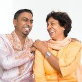 Indiskt skratta för familj Royaltyfria Foton
