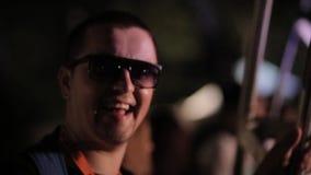 Indivíduo de sorriso vídeos de arquivo