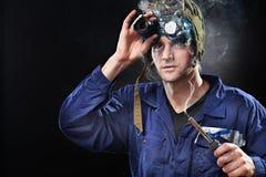 Indivíduo louco do gênio que desgasta o chapéu estranho Imagem de Stock Royalty Free