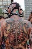 Indivíduo nos trajes na caminhada Sao Paulo do zombi Foto de Stock Royalty Free