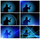 Indivíduo que joga a guitarra - silhueta Imagens de Stock Royalty Free