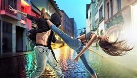 Indivíduos talentosos que dançam o hip-hop Fotografia de Stock Royalty Free