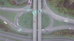 Individu intelligent conduisant des voitures