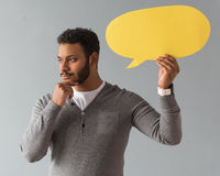Individuo afroamericano con la burbuja del discurso imagen de archivo