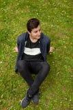 Individuo atractivo del adolescente en un parque Fotografía de archivo libre de regalías