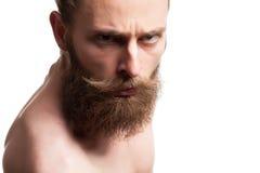 Individuo barbudo fresco en el fondo blanco Fotos de archivo libres de regalías