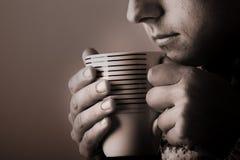 Individuo de la bebida del invierno Imagen de archivo libre de regalías