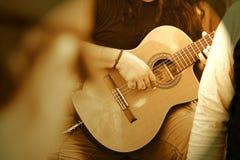 Individuo de la guitarra Fotografía de archivo libre de regalías