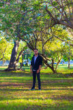 Individuo en un parque Fotografía de archivo libre de regalías