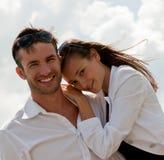 Individuo joven enamorado y la muchacha Imagen de archivo
