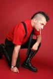 Individuo punky con un cigarrillo Imagenes de archivo
