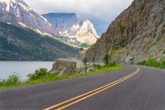 Indo à estrada de Sun, Montana foto de stock