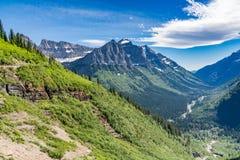 Indo à estrada de Sun, parque nacional de geleira foto de stock royalty free