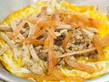 Indochina-Omelett als gebürtiges Frühstück, Chiang Khan, Thailand Stockbild