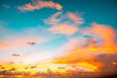 Indonésia, Bali - opinião do céu do por do sol Skyscape Imagem de Stock