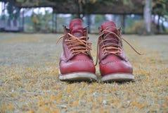 10-04-2018 Indonésia, botas para a forma e o trabalho foto de stock