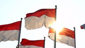 Indonésia embandeira o voo no mastro