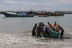 Indonésia: Pescador em Aceh Fotos de Stock Royalty Free